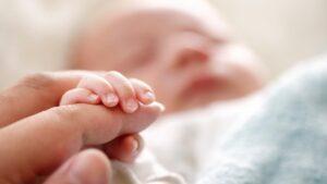 Oración para un Bebé Enfermo Recién Nacido