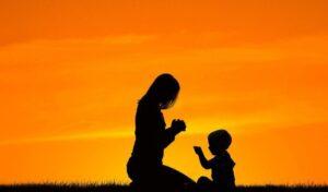 El Poder de la Oración hecha por una Madre