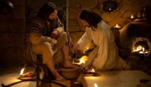 Jesús lavó los Pies a sus Discípulos